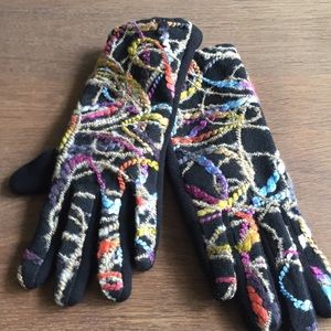 Other - Embroidered knit gloves